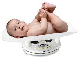 Tầm quan trọng của việc khám sức khỏe định kỳ cho bé