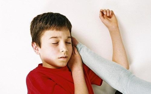 Chăm sóc tâm lý cho trẻ bị động kinh?