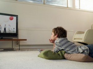 truyền hình không thể thay thế người chăm sóc trẻ