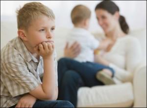 bé cũng cảm nhận được nối buồn bực, sợ hãi khi thấy cha mẹ to tiếng