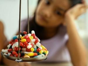 trẻ thừa các loại vitamin thì có biểu hiện gì