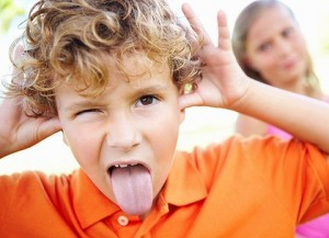Cách phát hiện bé bị Hội chứng tăng động giảm chú ý ADHD, Nguyên nhân của hội chứng tăng động giảm chú ý, Làm sao để phát hiện bé bị ADHD, Cách điều trị và chăm sóc bé bị hội chứng ADHD, Bé phát triển ngôn ngữ thế nào, Dấu hiệu giúp bạn phát hiện sớm trẻ tự kỷ