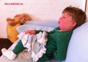 Nguy cơ của trẻ khi đối mặt với KawasakiChăm sóc trẻ bệnh thế nào? Biến chứng tim mạch do bệnh Kawasaki