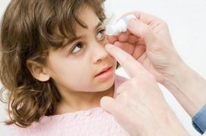 Các chú ý khi dùng thuốc cho trẻ
