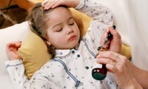 Triệu chứng viêm phổi ở trẻ em, điều trị viê phổi ở trẻ em