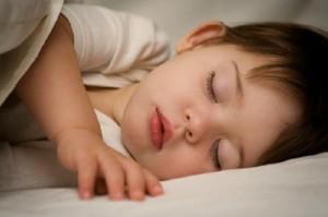 Trẻ em ít ngủ làm thế nào, trẻ ít ngủ vì sao