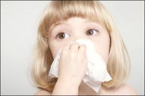 cách xử trí khi trẻ bị viêm mũi