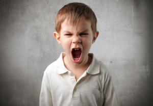 xử trí khi trẻ gây rối