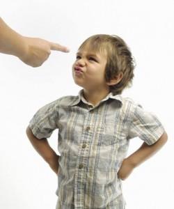 Bé phát triển toàn diện nhờ chơi đúng cách , cách mẹ dạy các con hòa thuận , phương pháp dạy bé giao tiếp, Những câu nói không nên đùa với trẻ , Những việc bố mẹ tuyệt đối không nên làm trước mặt con,