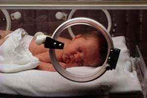 chăm sóc trẻ sơ sinh thiếu tháng, sinh thiếu tháng, bé sinh thiếu tháng