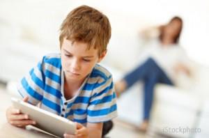 nguyên nhân trẻ nghiện tablet, nguyên nhân trẻ nghiện ipad