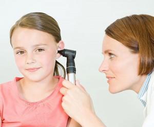 phòng bệnh viêm tai giữa cho trẻ