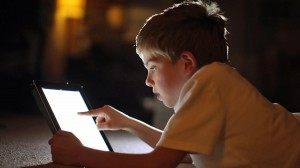 xử trí khi trẻ nghiện ipad, xử trí khi trẻ nghiện máy tính bảng