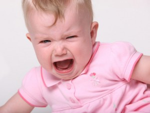 bé hay quấy khóc đêm, nguyên nhân trẻ em hay khóc đêm