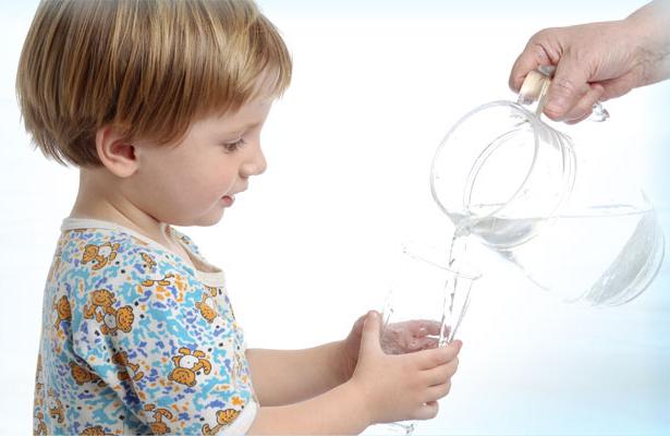 Сколько воды нужно пить детям - FO