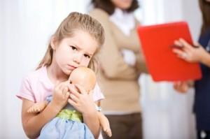 triệu chứng bệnh tự kỷ ở trẻ em, điều trị trẻ tự kỷ