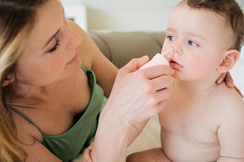 thuốc nhỏ mũi cho trẻ em