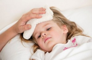 trẻ bị phát ban sau sốt, trieu chung phat ban o tre