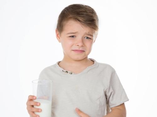 Cách đối phó với bệnh dị ứng sữa ở trẻ em???