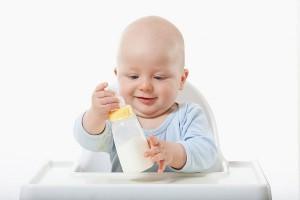 điều trị trẻ bị dị ứng sữa