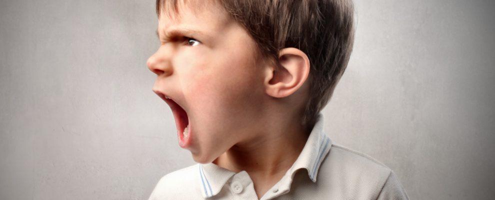 trẻ hay la hét, nguyên nhân trẻ quấy khóc