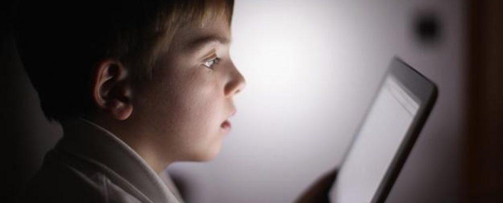 làm gì khi trẻ nghiện ipad, làm gì khi trẻ nghiện máy tính bảng
