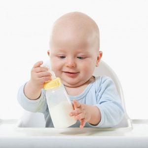 trẻ bị dị ứng sữa phải làm thế nào