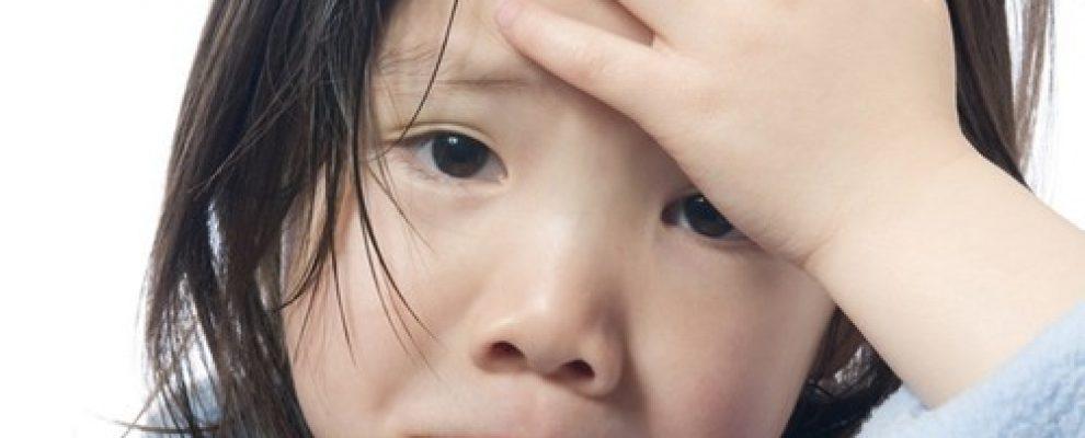 trẻ nghẹt mũi phải làm sao