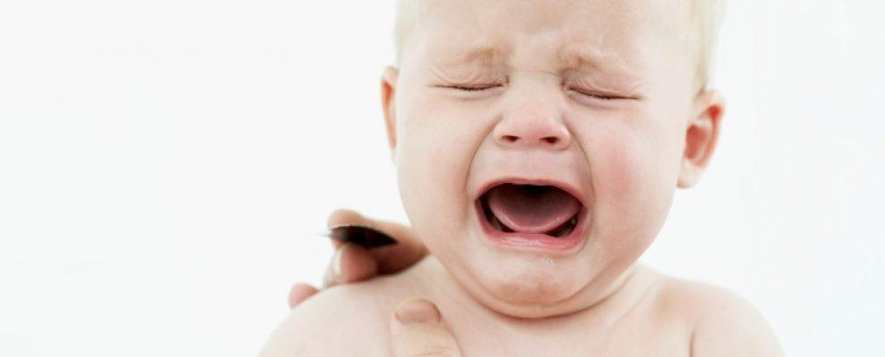 Vì sao trẻ khóc lặng, xử trí khi trẻ khóc lặng