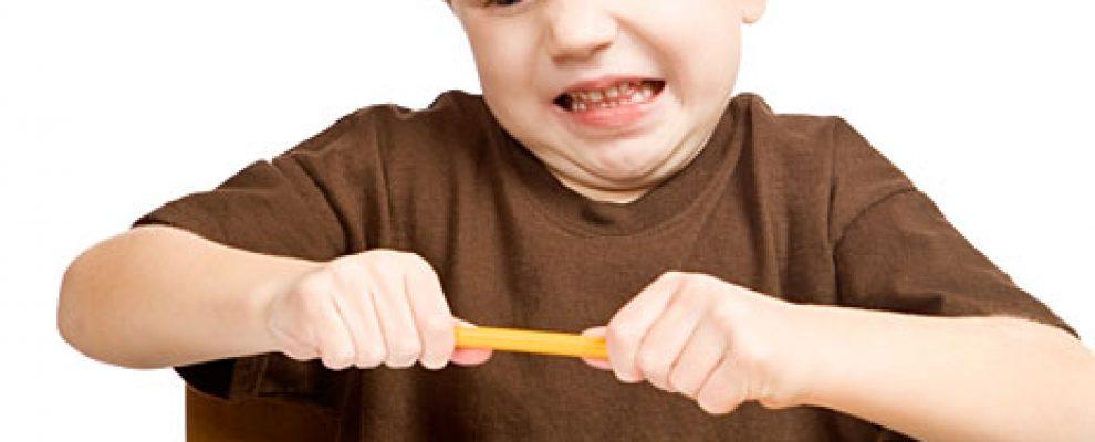 bé có bị thiếu sắt hay kẽm thì có cần yêu cầu làm xét nghiệm máu để biết không?