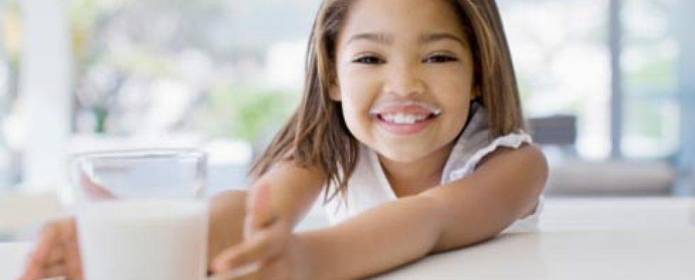 bổ sung canxi cho bé, thường nên kết hợp cả bổ sung vitamin D