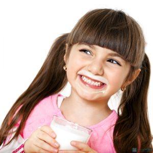 sữa cho em bé, chon sua cho be 6 thang tuoi