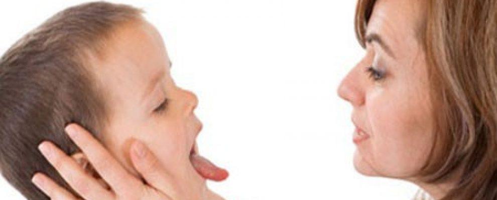 trẻ bị viêm va, viêm va là gì, chăm sóc trẻ bị viêm va